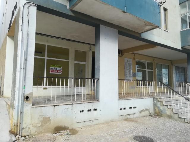 LCL1764 - Loja com 2 pisos no Feijó